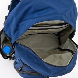 SOLO TOURIST(ソロツーリスト)/A-BROAD(エーブロード) デイパック25|リュック メインポケット内は明るい色調のベージュ色です。