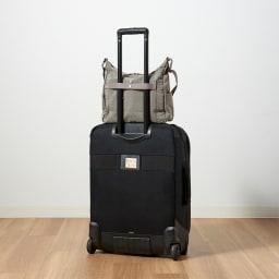 WORLD TRAVELER(ワールドトラベラー) カペラ 舟形ショルダーバッグ スーツケースにセットアップできるベルト付き