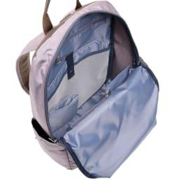 WORLD TRAVELER(ワールドトラベラー)/リンク スリムリュック 内装は小物の収納に便利なポケットが。