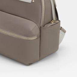 カナナプロジェクト/デイリーユースにぴったりのリュックサック 小 ミニポーチはサイドポケットに収納可能
