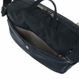 ace.(エース)/バスティーク2 横型持ち手付きショルダーバッグ 背面ファスナーポケット