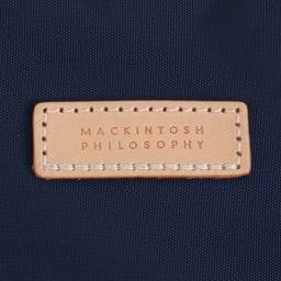 MACKINTOSH PHILOSOPHY(マッキントッシュ フィロソフィー)/アソール トートボストン(大) ヌメ革に施されたブランドロゴがポイントです