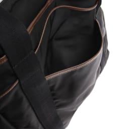 Orobianco(オロビアンコ)/トートバッグ 背面にはオープンポケット付き