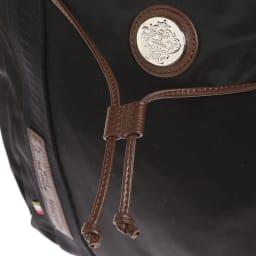 Orobianco(オロビアンコ)/トートバッグ 本体上部を周回する革紐がアクセントに