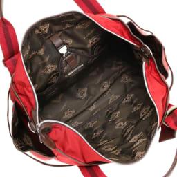 Orobianco(オロビアンコ)/3WAYトートバッグ 大きく開いて出し入れしやすいメイン収納部にはオープンポケットを装備