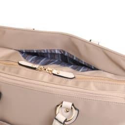 ace.(エース)/リモフィス 15.6inchパソコン収納対応、大容量トートバッグ 定期やスマートフォンなどのサッと取り出したい物の収納に便利なポケット