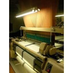 創業1866年槙田商店/傘生地を使ったポータブルバッグ(エコバッグ) ジャカード織 スクエアドット柄 槙田商店のジャカード織機