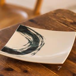 ARITA PORCELAIN LAB(アリタ・ポーセリン・ラボ)/正方皿(中)|有田焼 ア:墨刷毛