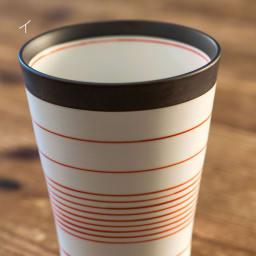 ARITA PORCELAIN LAB(アリタ・ポーセリン・ラボ)/フリーカップ 呉須錆線紋|有田焼 目を引く錆色の縁取りにブルーやレッドの細く繊細なラインが不均等に配され、絶妙なバランスが美しいモダンなフリーカップ