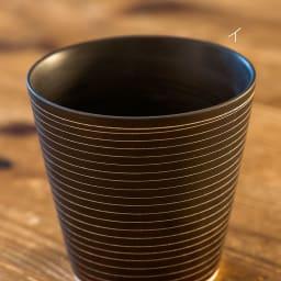 ARITA PORCELAIN LAB(アリタ・ポーセリン・ラボ)/泡立ちロックカップ(ロックグラス)sabi/錆|有田焼 イ:錆千段 有田焼の伝統技法である「掻き落とし」の手法によって錆釉を引っ掻き削り取ることで作りだされた器