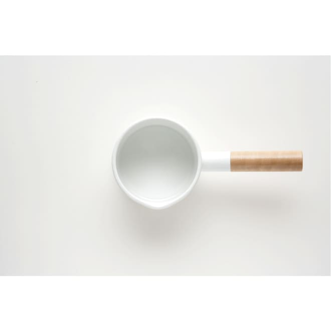 小泉誠・kaico(カイコ)/ホーロー(琺瑯)ミルクパンSサイズ ホーローと天然木の組み合わせは相性◎