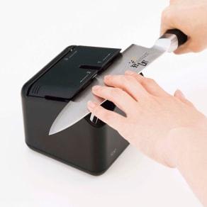 Kai House ザ シャープナー 貝印 電動式包丁研ぎ器  写真