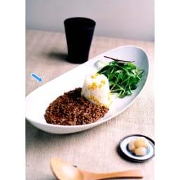 ARITA PORCELAIN LAB(アリタ・ポーセリン・ラボ)/楕円皿(大)hakuji/白磁|有田焼 和食器としてはもちろん、パスタやカレーなどランチプレートとしてもグッド。 ほどよく深さもあるため、多少汁気のあるものにもお使いいただけます。