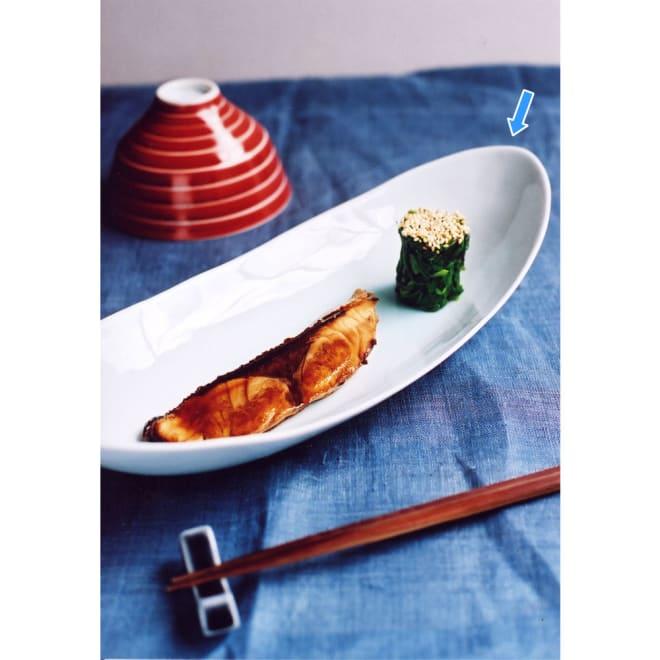 ARITA PORCELAIN LAB(アリタ・ポーセリン・ラボ)/楕円皿(中)hakuji/白磁|有田焼 一人用のメインディッシュ皿としてはもちろん、2~3人用の盛りつけ皿としても