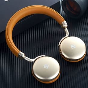 Bluetoothヘッドフォン TURBO2 写真