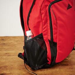 adidas(アディダス)/B4サイズ対応リュック 22L サイドポケットにはペットボトルも収納可能です。