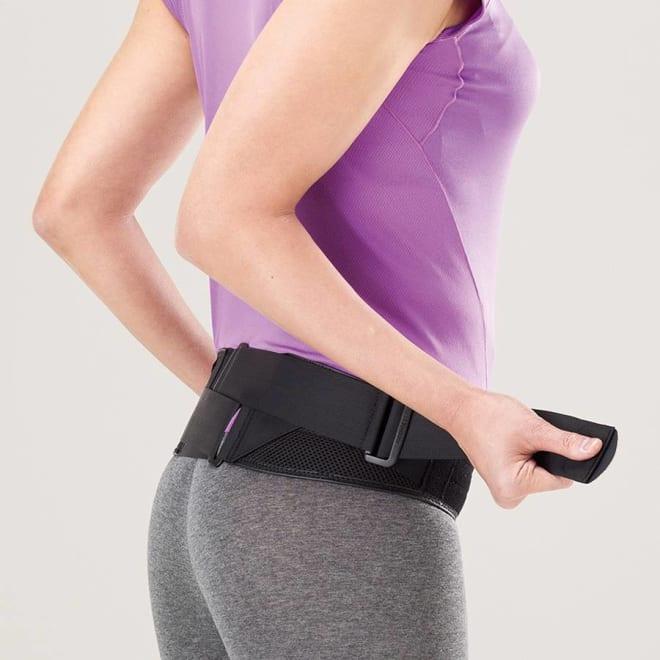 MIZUNO(ミズノ)/腰部骨盤ベルト 補助ベルトを両サイドから軽く引っ張るだけで、背中部分をググッと集中的に締め込む特殊構造