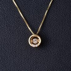 グレーシャスダイヤ K18イエローゴールドネックレス サークル 写真