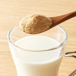 とろけるきな粉 (60g×12袋) 牛乳にもとけやすいので、きなこラテにしてお楽しみいただけます。