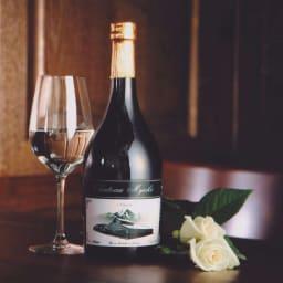 【日本酒】特別純米酒「シャトー妙高」 (720ml) ワイングラスでも飲んでおいしくなるように、米の旨みをしっかり感じさせながらもソフトな口あたりとスッキリした味わい。