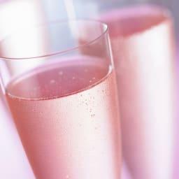 """【スパークリングワイン】ベッレンダ・ロゼ・スプマンテ・ブリュット""""ロザリカ"""" 味わいは辛口で、香りと味がうまく調和していて、エレンガントな印象を残すスパークリングワインです。(※画像はイメージです)"""