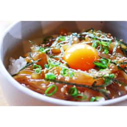 寒シマメ肝醤油漬け (100g×6パック) 卵黄、ごま、刻みネギを乗せた調理例