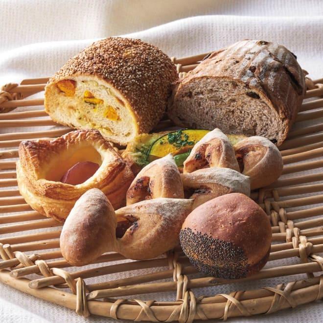 ブーランジェリーコヤマ 秋の味覚パンセット 小山シェフ渾身の、こだわりの6種類のパンが楽しめます♪