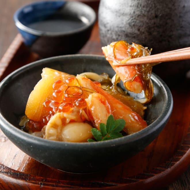 【お中元】海鮮松前漬 (500g) (8月上旬お届け) 数の子の食感、ずわい蟹のむき身、ベビー帆立、いくらをちりばめた贅沢な海鮮松前漬けです。