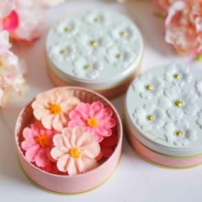 【母の日ギフト】Flower Picnic Cafe -HAKODATE- お花のぼうろ 3缶セット (各50g) 写真