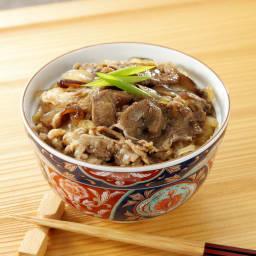 神田明神下「喜川」黒毛和牛すき焼き丼の具 【盛り付け例】神田明神下「喜川」の出汁とタレで仕上げたすき焼き丼の具をどうぞ。