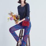 イタリアのテキスタイルデザイン 花柄ストレッチパンツ 写真