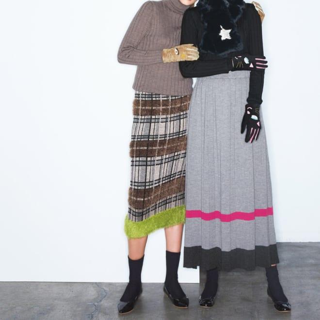 フェザーヤーン使い チェックジャカード ニットスカート (左)フェザーヤーン使い チェックジャカード ニットスカート ワイドプリーツに、シャギー使い 大胆デザインのニットスカートが主役 コーディネート例