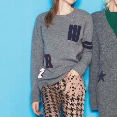 ポケットとワッペン付き カレッジセーター
