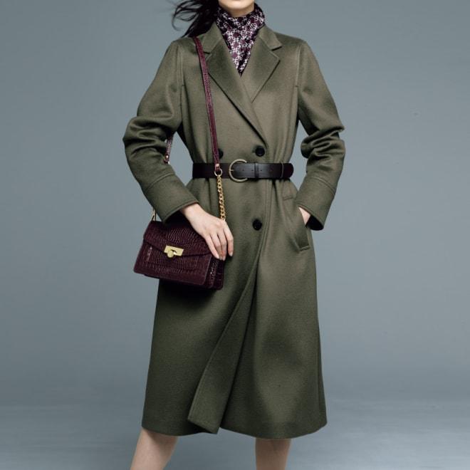 リッチェリ社 カシミヤ混 ベルト付きコート(カーキ) コーディネート例 /凜とした中に優雅が香る、洗練の色合わせで紡ぐレディ・エレガンス。