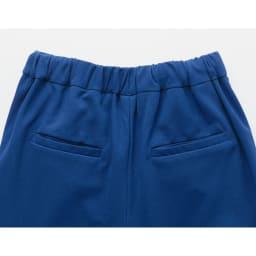 ストレッチジョーゼット ゆったりテーパードパンツ Back Style (ア)ブルー