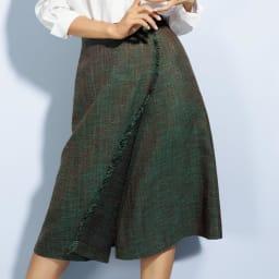 フェルラ社 シルク混 フリンジ ラップスカート 着用例