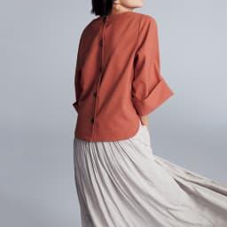 リネン風合繊素材 ダブルカフス袖 プルオーバー コーディネート例