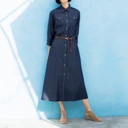 コーマ糸 ライトオンスデニム スカート コーディネート例 /ヴィンテージ感漂う細ベルトを、オールデニムの着こなしにワンポイント加わるだけで、一気にメリハリのあるスタイルに!