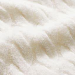 イタリア糸 カシミヤシルク ケーブル編み プルオーバー 生地アップ