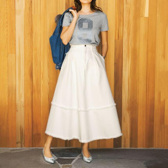 gram blue/グラムブルー ホワイトデニム フリンジロングスカート コーディネート例