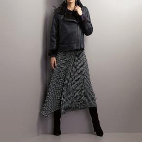 チェーン柄プリント イレギュラーヘム プリーツ スカート 写真