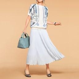 シルク プリント ベルト柄 ブラウス コーディネート例 /ブラウス&スカートの組み合わせを、澄んだエレガンスが香るデザインで春にシフト!