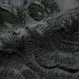 オーガンジー素材 ローズ柄刺繍 ワンピース 生地アップ