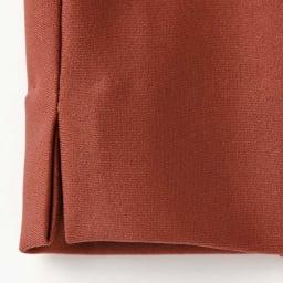 裾スリットデザイン クロップトパンツ(サイズ64)  ※今回こちらのお色の販売はございません。参考画像です。