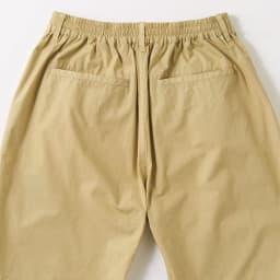 製品染めシリーズ ハーフパンツ ウエストはゴム仕様でストレスフリーなはき心地。片玉縁ポケットできちんと見え。