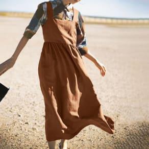 リネンレーヨン ロングドレス 写真