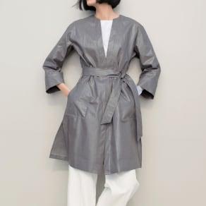 リベコ社 艶コーティング加工 ベルト付き リネン コート 写真