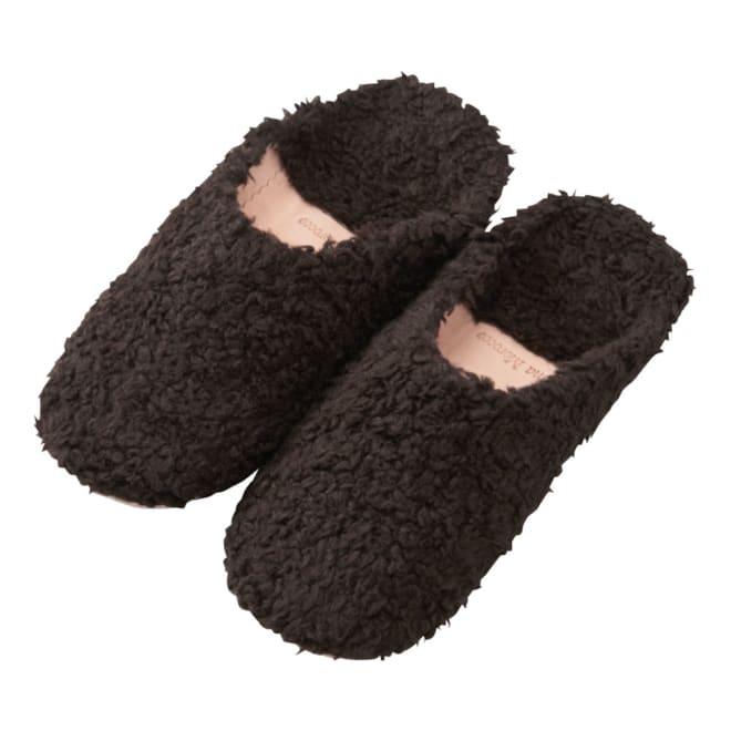 モコモコファーバブーシュ (イ)ブラック モロッコらしいバブーシュも冬らしい素材で。スエードとファーで、オシャレ感もアップ。