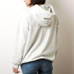 アラジン/長袖プルオーバーパーカー(男女兼用)|ディズニー ミュージカル Back style/身長156cm 着用サイズM