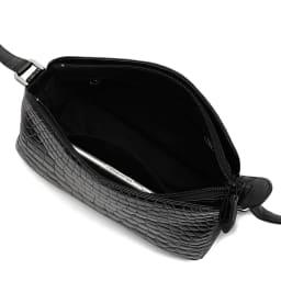 クロコダイル ショルダーバッグ ブラック Inside 138mm×67mmスマートフォン内ポケット収納可